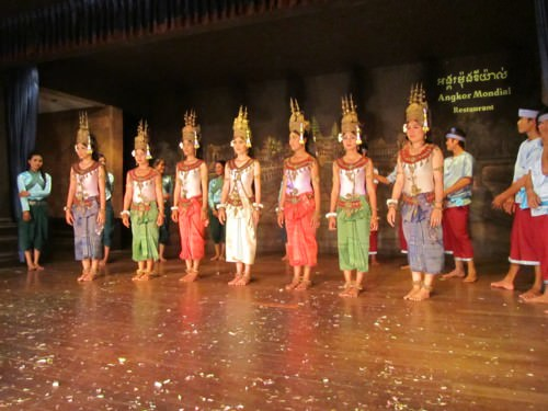 Traditional Apsara Dance Performance